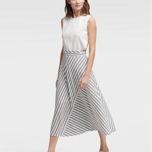 New DKNY Skirt